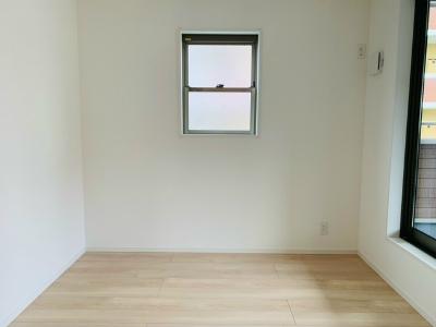 洋室5帖(バルコニー側)(寝室)