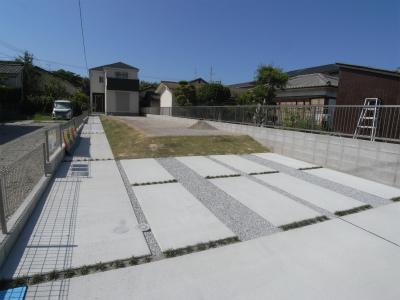 駐車場~庭