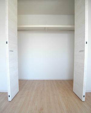 洋室1収納