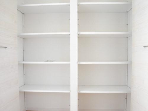 ①靴箱(玄関)