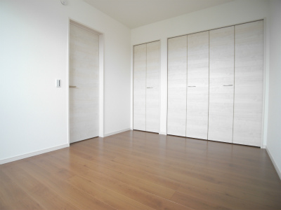 1号棟洋室1(寝室)