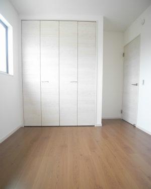 1号棟洋室2(寝室)