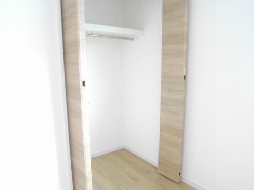3号棟洋室2収納