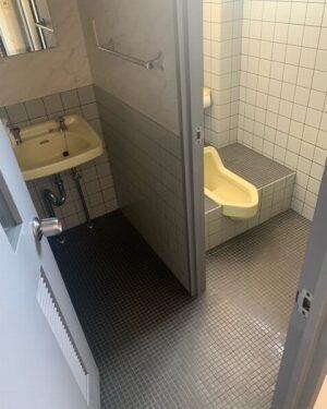 トイレは3階に男子トイレ4階に女子トイレがそれぞれあります。